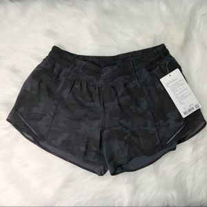 NWT LULULEMON Hotty Hot short II incognito camo 10